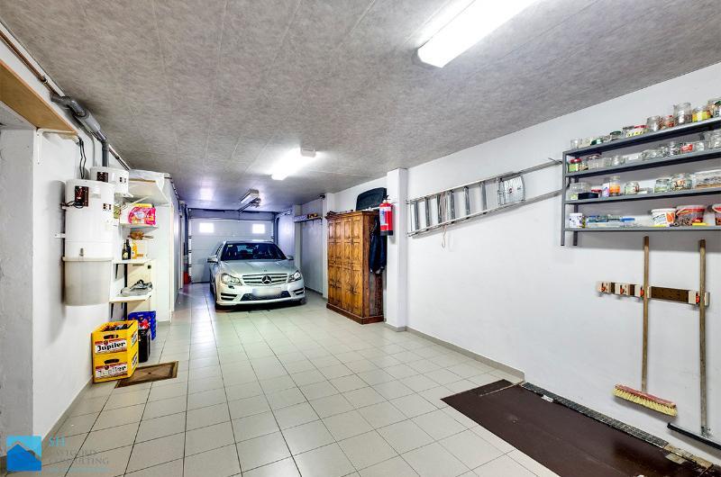 ruime burgerwoning met garage, lift en zongerichte tuin