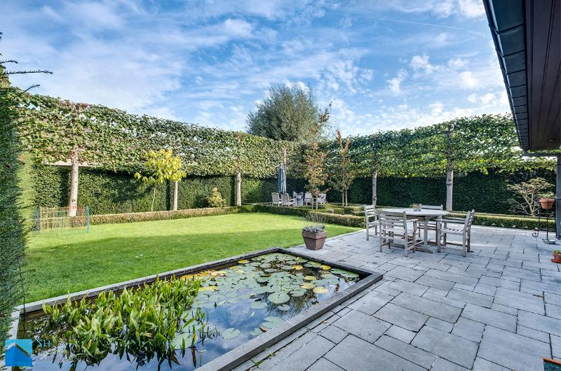 Rustig gelegen villaatje met aangename tuin