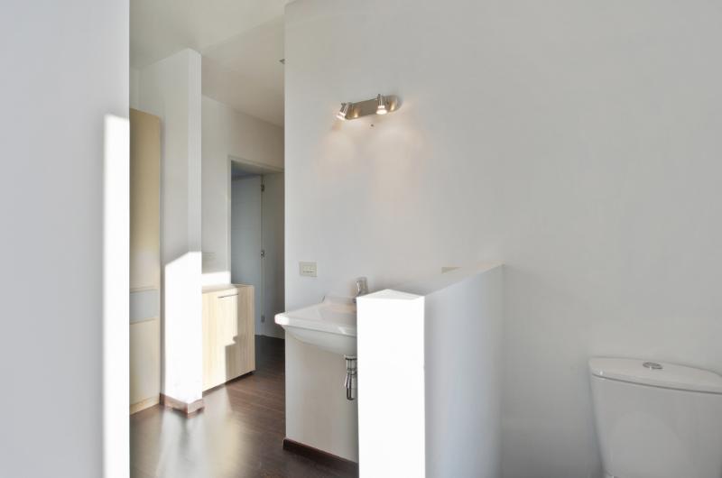 Knap gerenoveerde lichtrijke woning met aangenaam tuintje