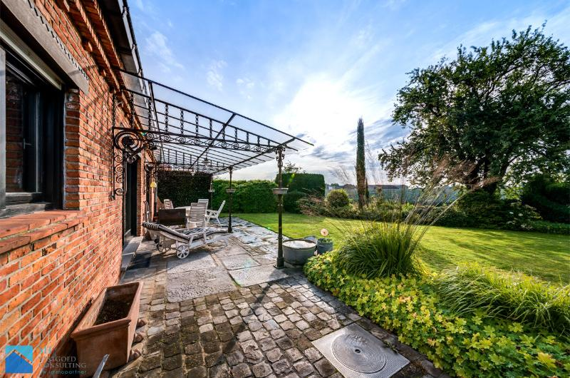 authentieke villa met uitzonderlijk zicht