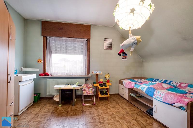 VERKOCHT!!!!!!Alleenstaande woning met een uniek karakter te koop te Hulste
