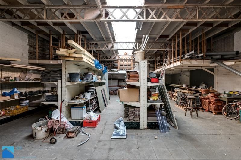 Groot magazijn centrum Harelbeke