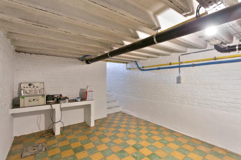 Volledig gerenoveerde woning met royale ruimtes en knappe details!